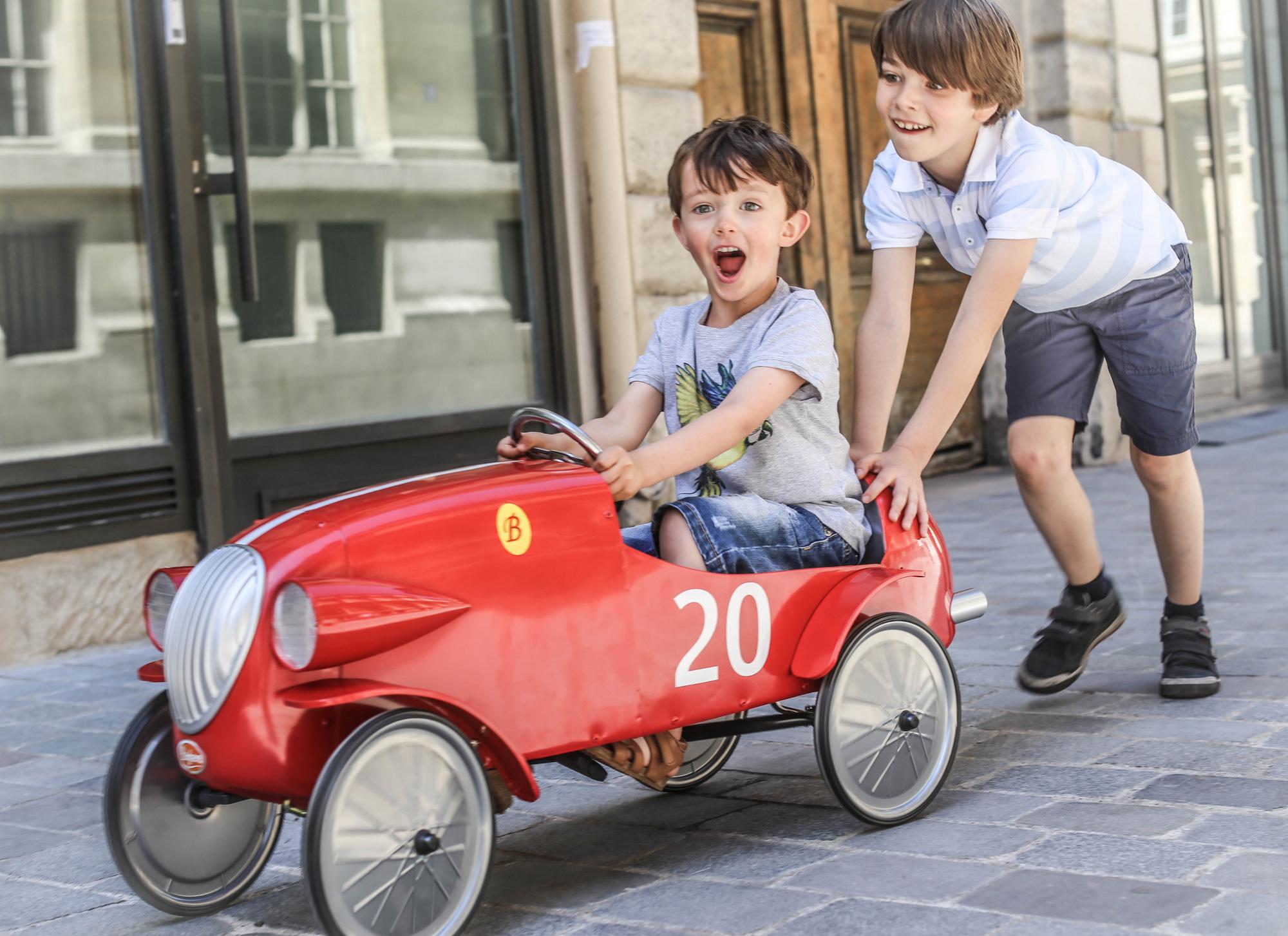 BAGHERA'S PEDAL CARS - Les enfants à Paris